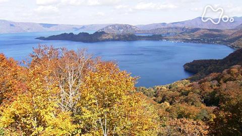 小さな旅「水面(みなも)は錦秋に彩られ~十和田湖~」